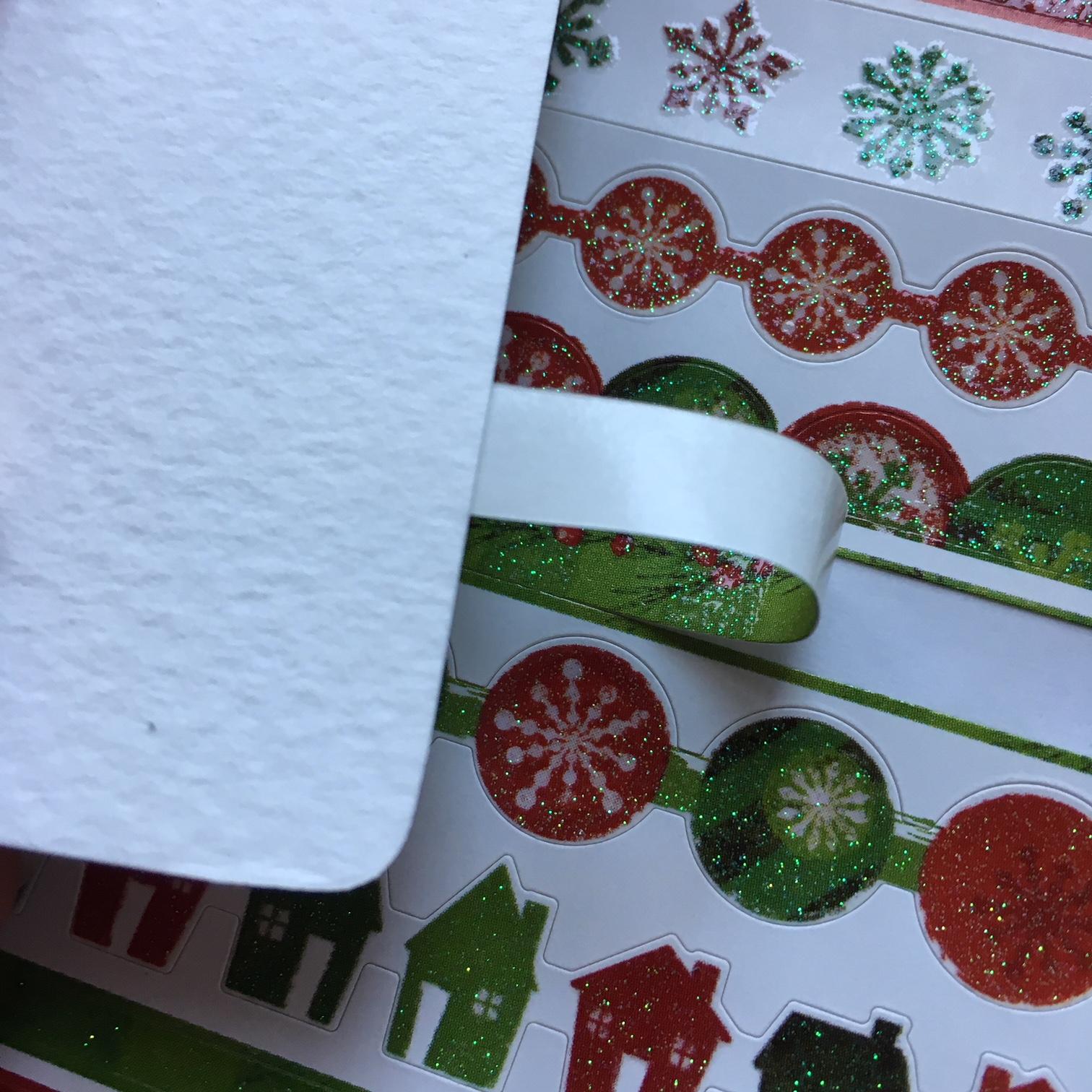 изработване на коледни тагове и етикети за подаръци със стикери