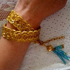 В синьо и златно